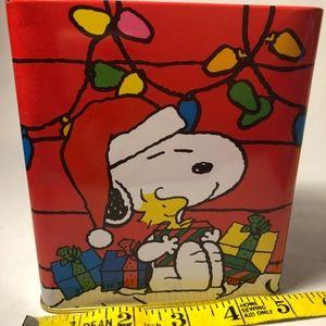 Snoopy Collectors Christmas Tin